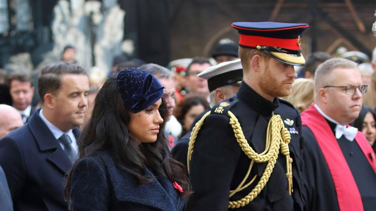 Обнимался и флиртовал с другой: Меган Маркл устроила сцену ревности принцу Гарри