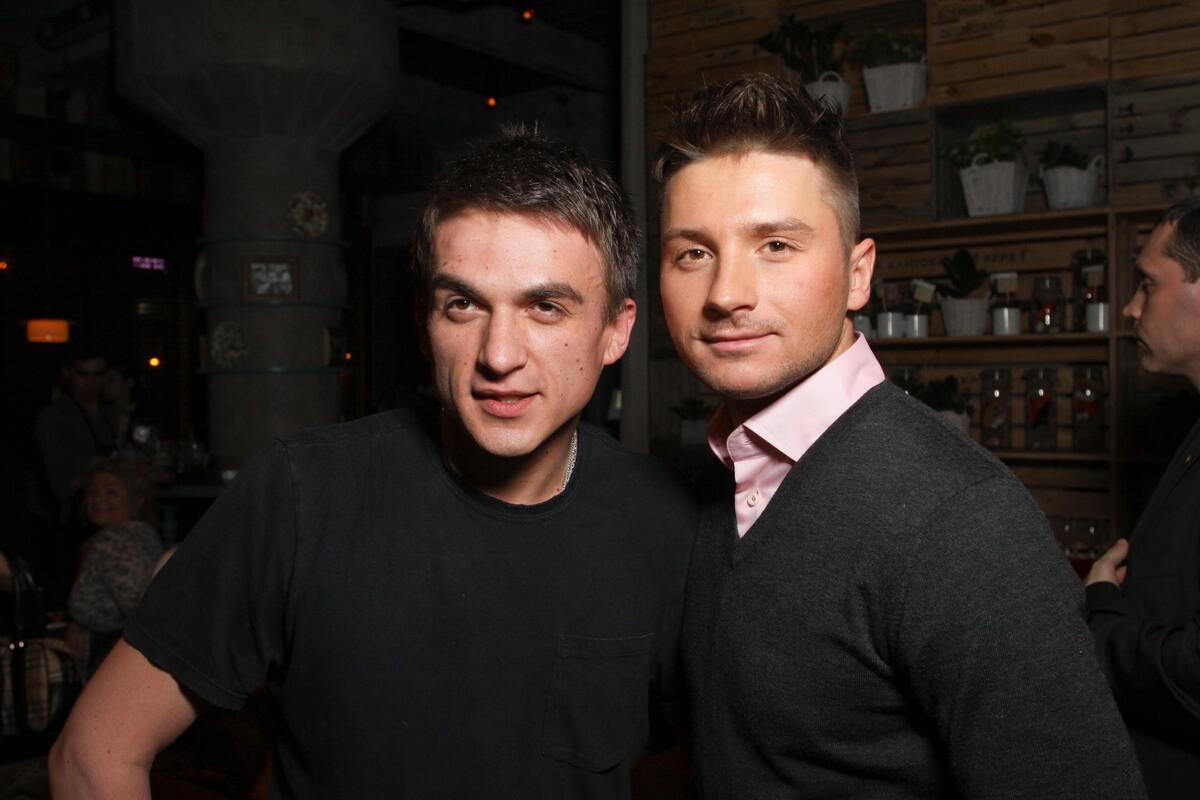 Топалов ответил на слухи о романе с Лазаревым: «Целую и обнимаю»