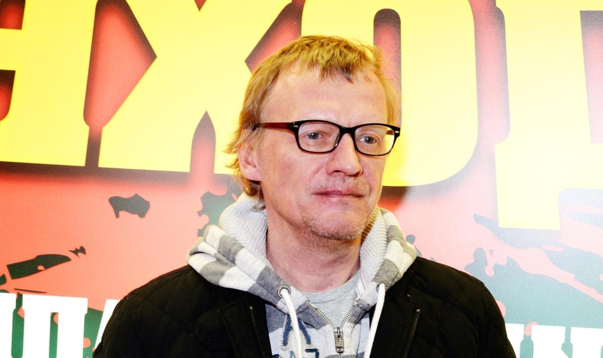 Алексей Серебряков молит о помощи поклонников