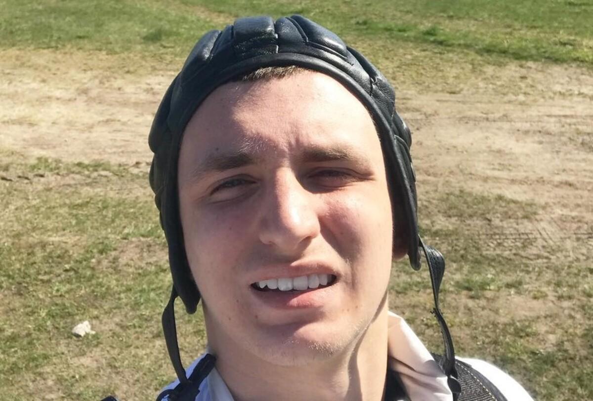 Видео: блогер Михаил Литвин разбил о витрину спорткар за 12 млн рублей