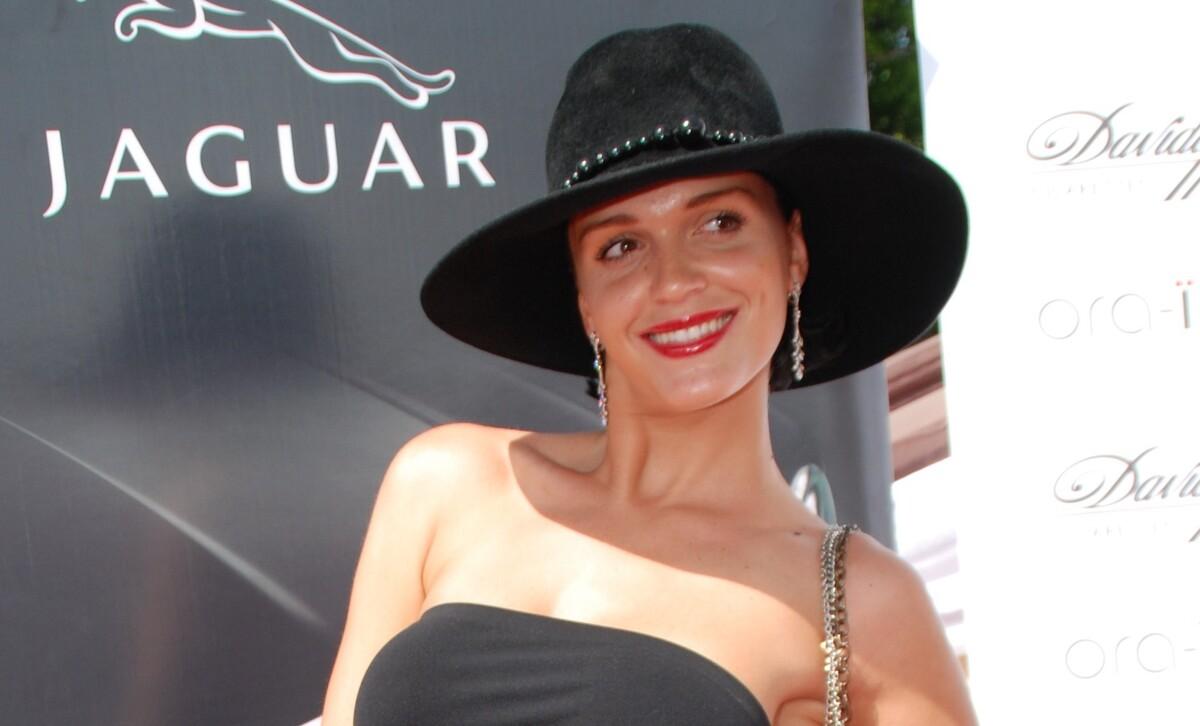 Почти упала на дно: певица Слава призналась в алкогольной зависимости