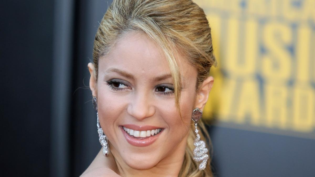«Жизнь больше не будет прежней»: Шакира спровоцировала слухи о своей бисексуальности