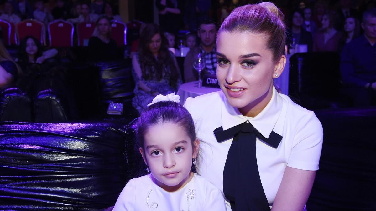 «Дети в тряпках, сама — королева»: Бородина не постеснялась сэкономить на дочери