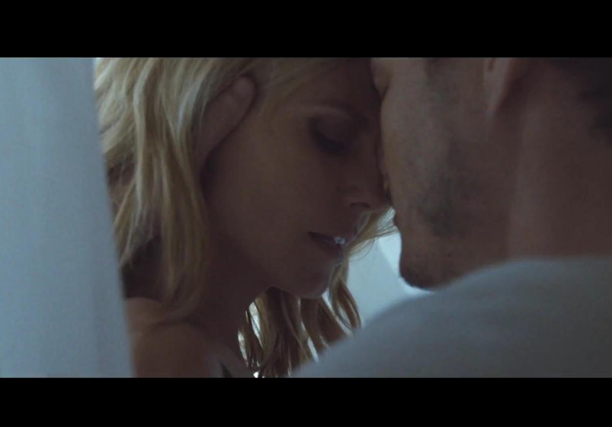Хайди Клум снялась в новом клипе Sia - Fire Meet Gasoline