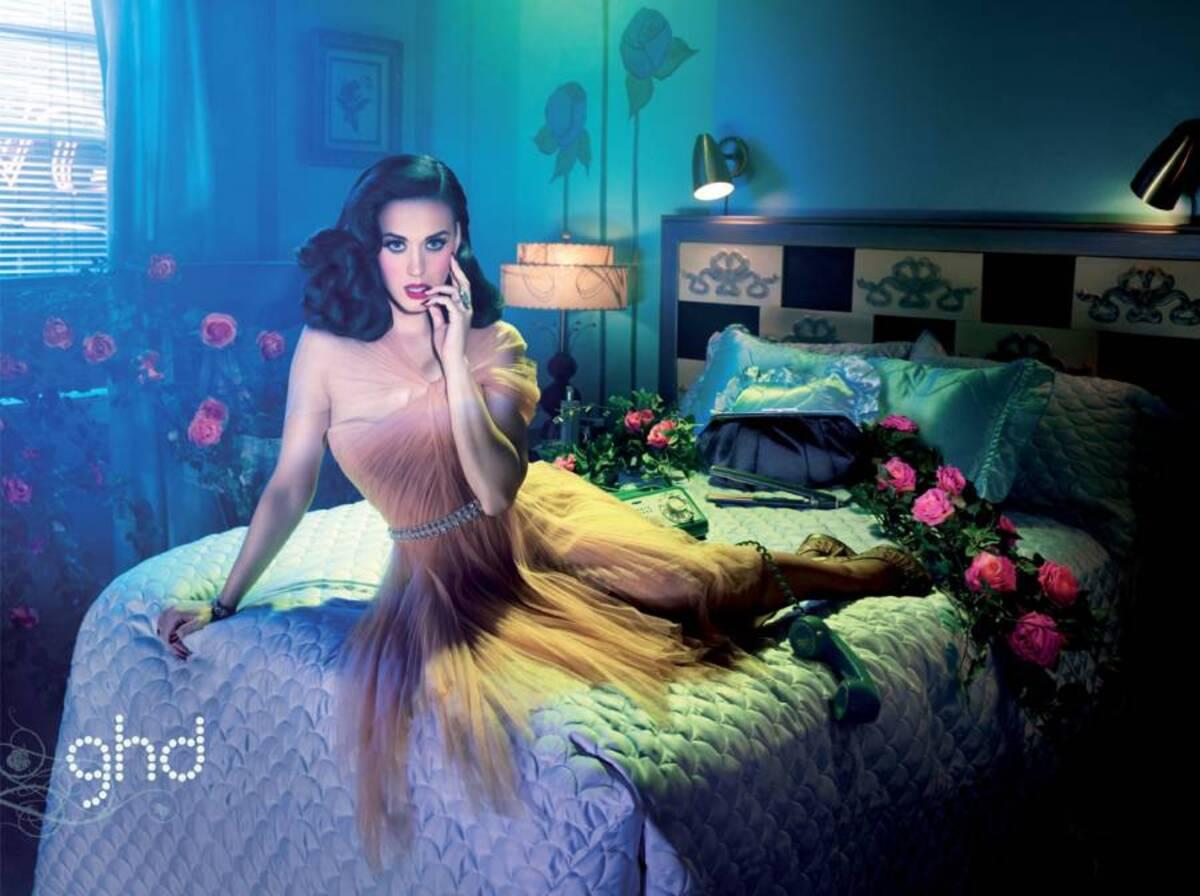 Кэти Перри в релкамной кампании GHD Iconic Era's of Style