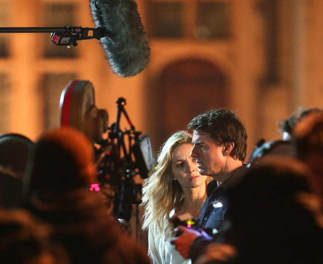 Том Круз и Аннабелль Уоллис  на съемках нового фильма «Мумия» в Лондоне