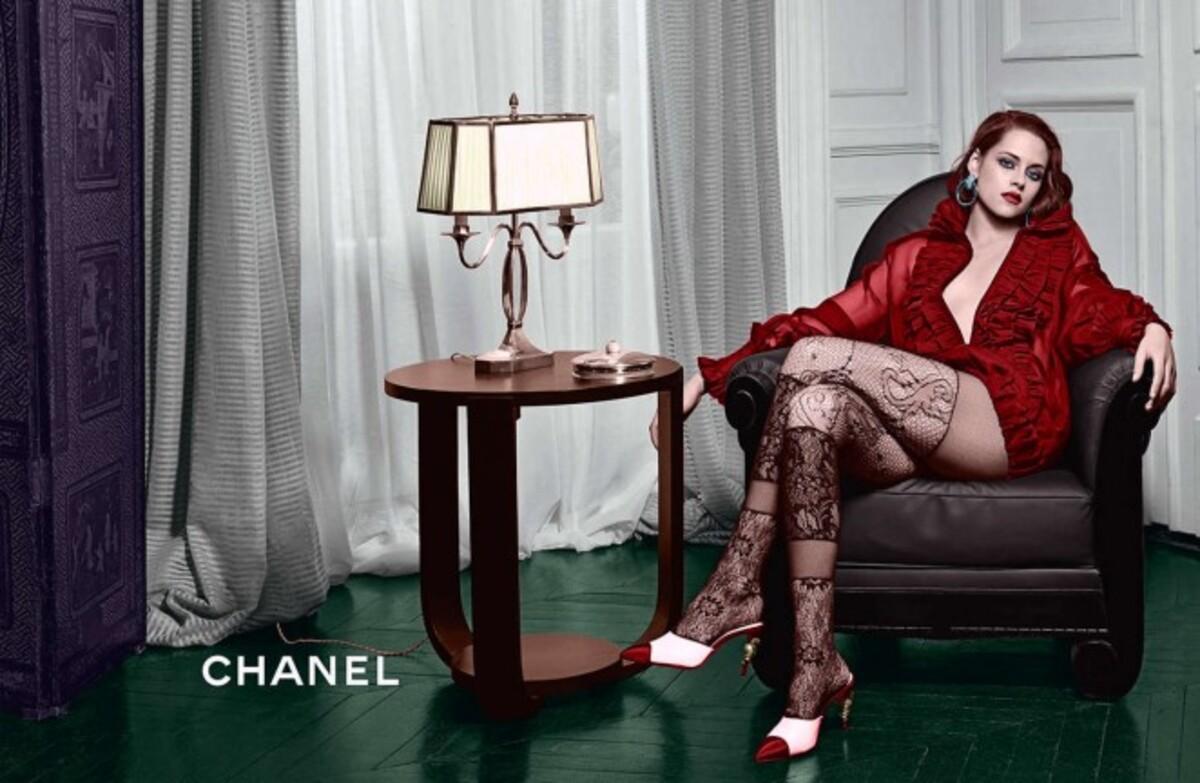 Кристен Стюарт в рекламной кампании Chanel Metiers d'Art Paris