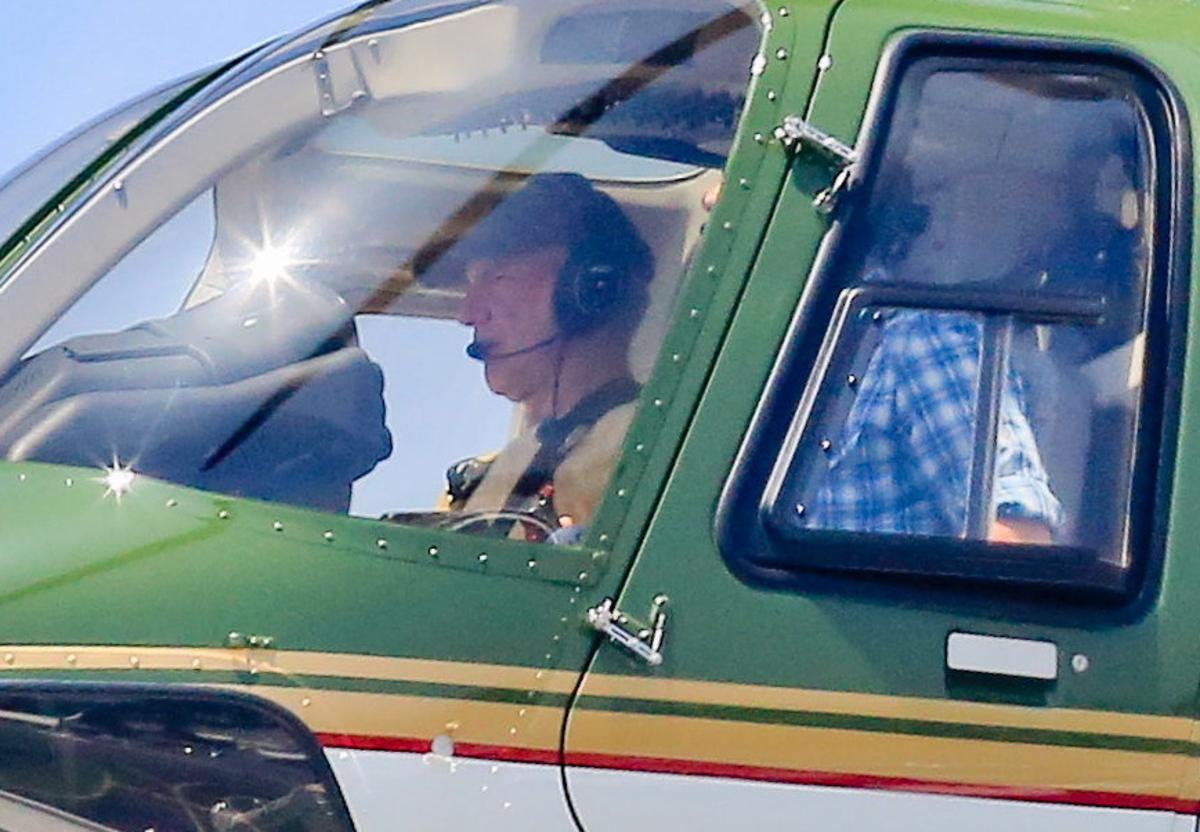 Харрисон Форд впервые сел за штурвал вертолета после аварии
