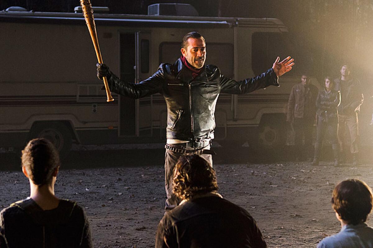 Даже каст «Ходячих мертвецов» не знает, кого убил Ниган в финале 6 сезона