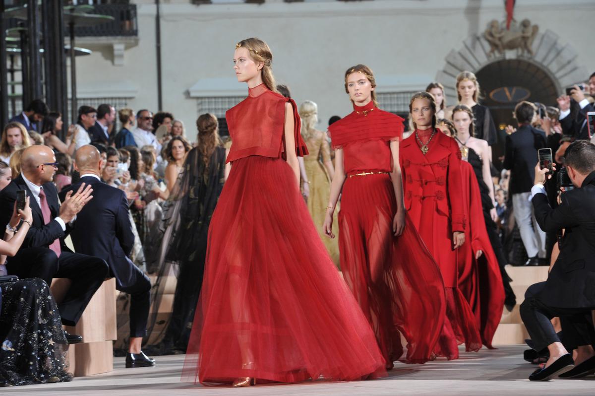 Модный показ новой коллекции Valentino Couture. Осень / зима 2015-2016