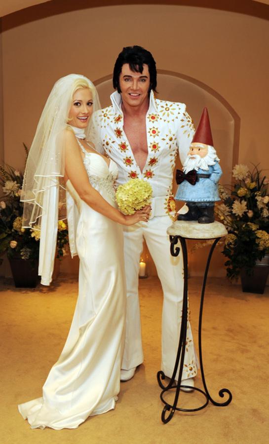Холли Мэдисон вышла замуж...за гнома