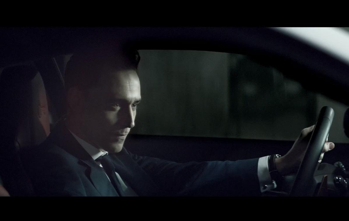 Том Хиддлстон в рекламном ролике Jaguar F-TYPE