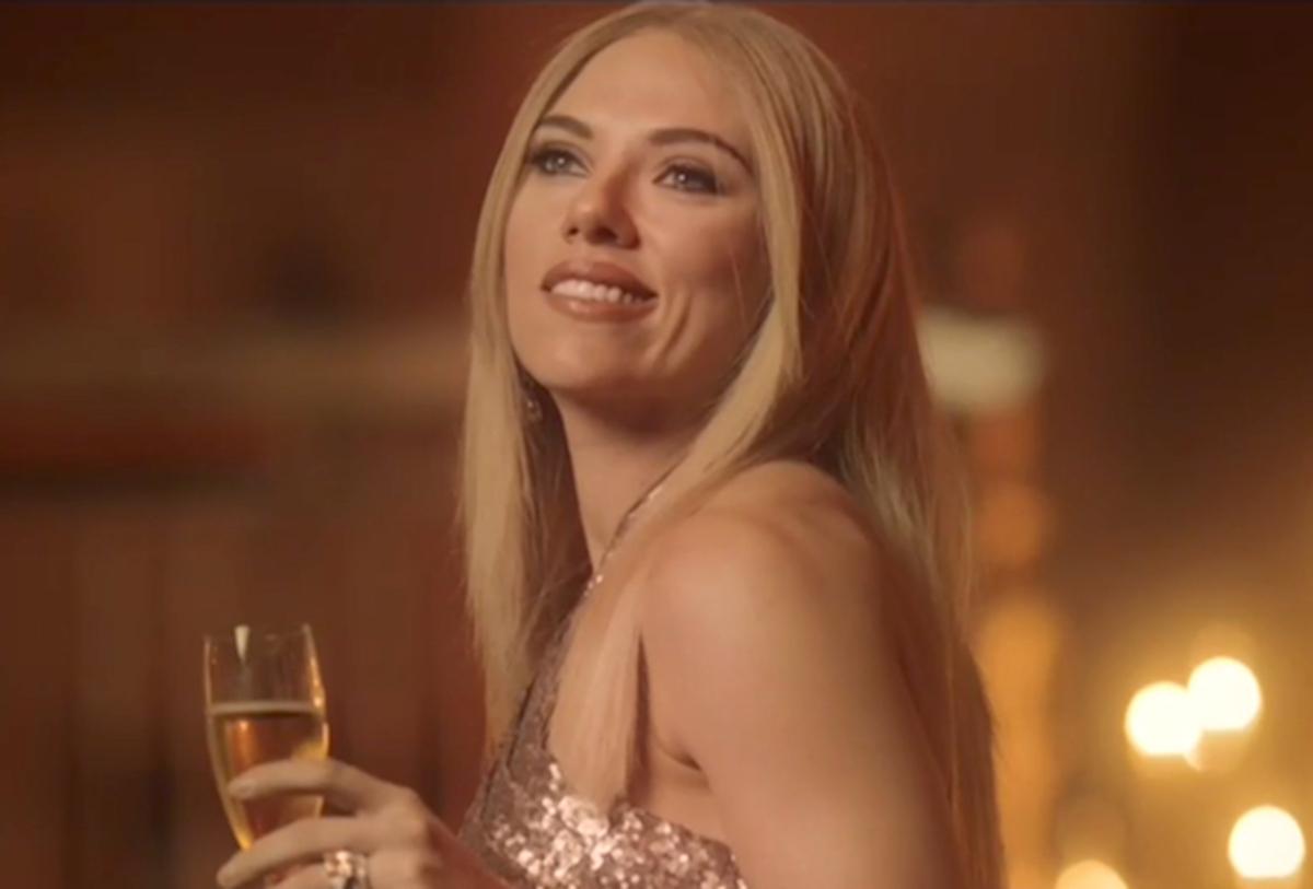 Видео: Скарлетт Йоханссон высмеяла Иванку Трамп