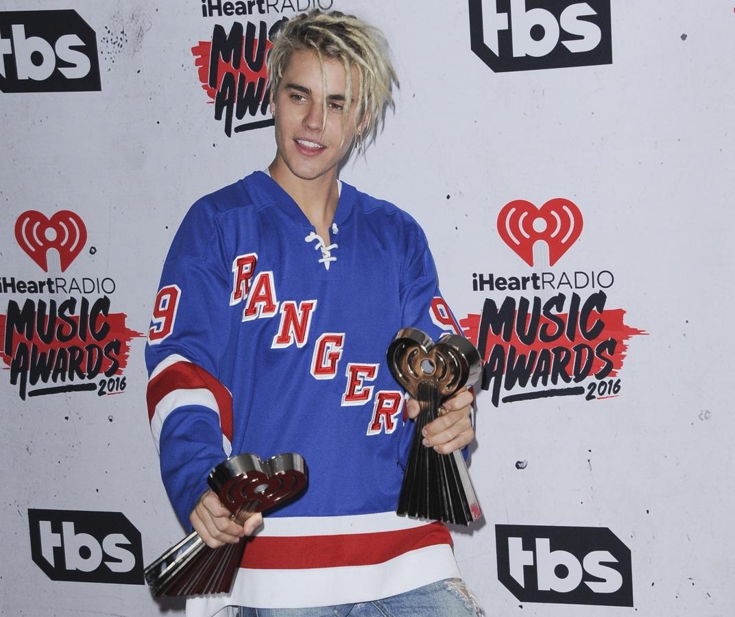 Звезды на церемонии iHeartRadio Music Awards 2016