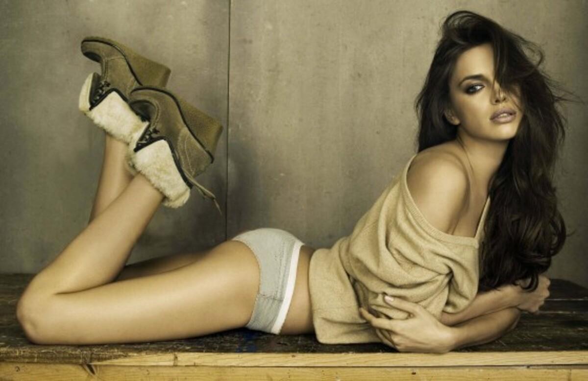 Ирина Шейк в рекламе XTI и Replay Jeans