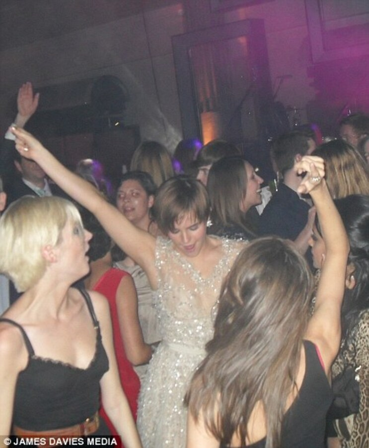 Эмма Уотсон - королева вечеринок
