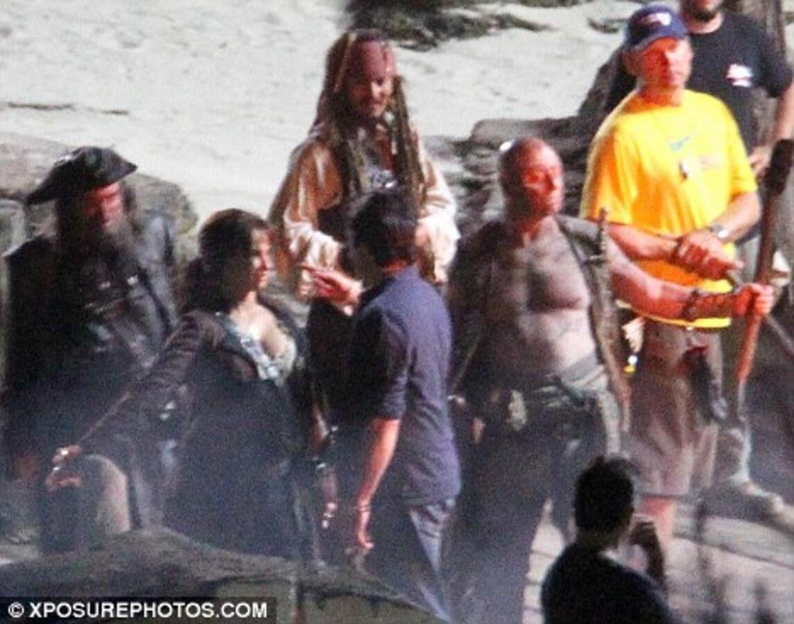 """Джонни Депп и Пенелопа Крус в новых сценах """"Пиратов Карибского моря"""""""