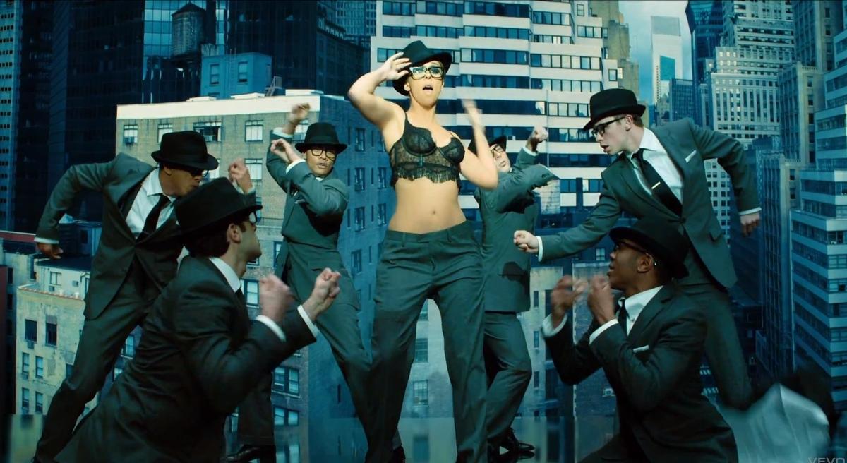 """Дженнифер Лав Хьюитт в промо-ролике телешоу """"Список клиентов"""""""