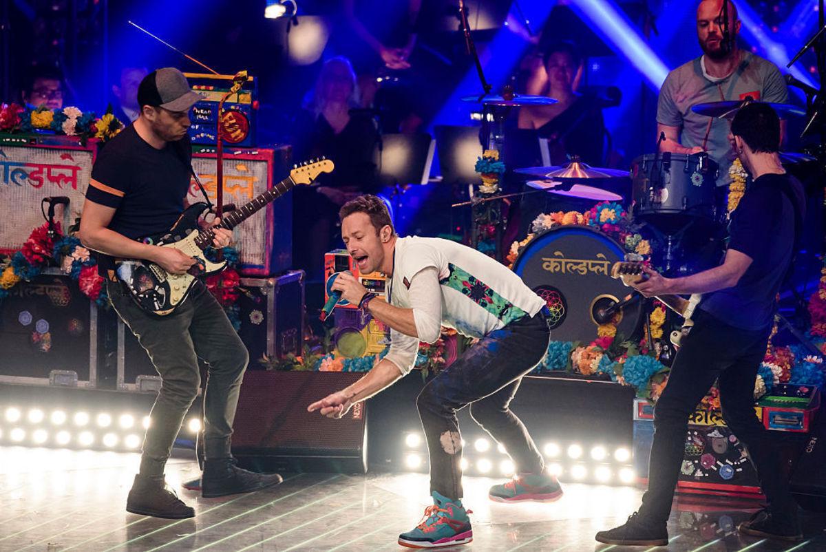 Группа Coldplay представила новый клип – Birds