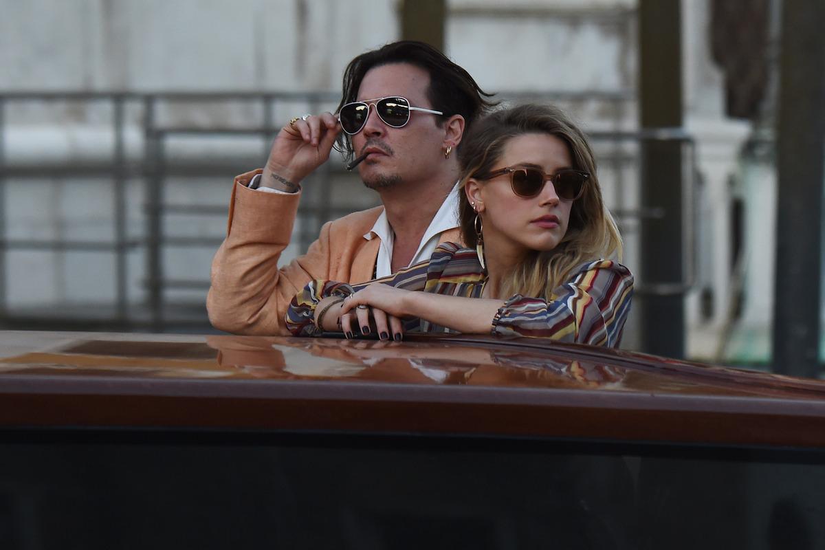 Джонни Депп и Эмбер Херд на романтической прогулке в Венеции