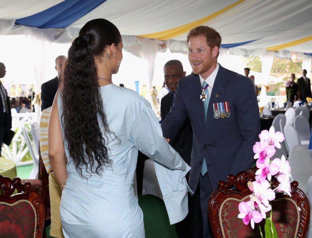 Фото: принц Гарри познакомился с Рианной