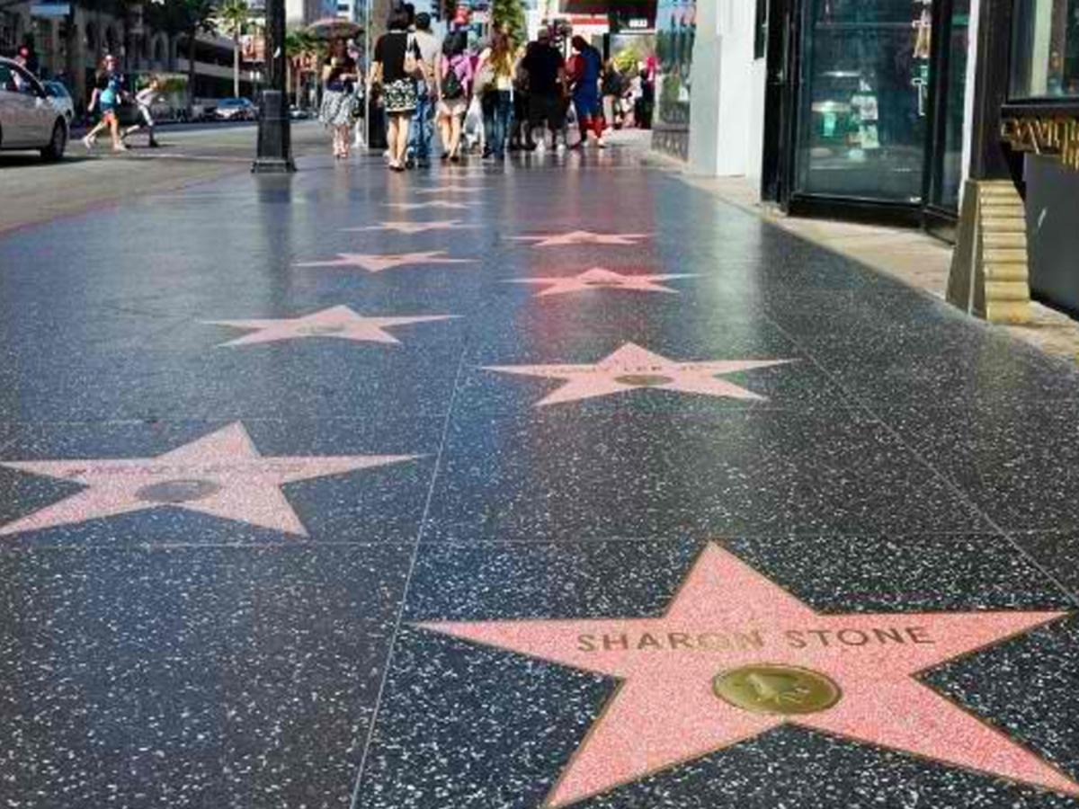 Крис Прэтт, Марк Руффало, Райан Рейнольдс и Дуэйн Джонсон получат звезды на Аллее славы