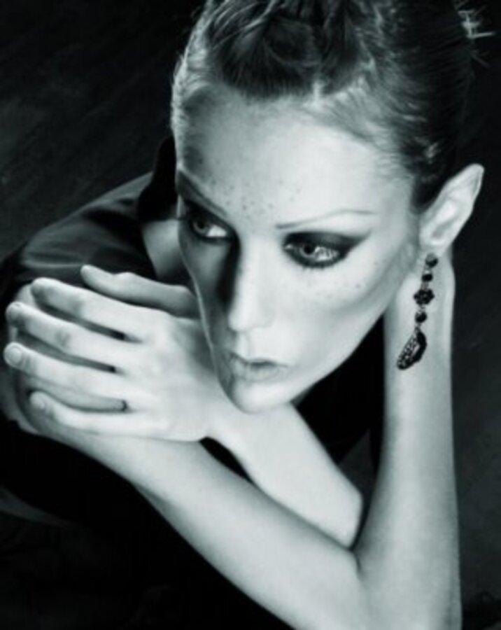 Модель Изабель Каро умерла от анорексии