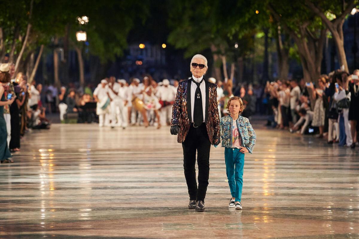 Дом Chanel устроил первый в истории модный показ на Кубе