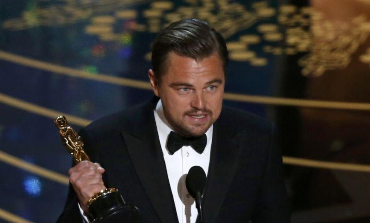 Леонардо ДиКаприо и его долгожданный Оскар: самые смешные твиты и мемы