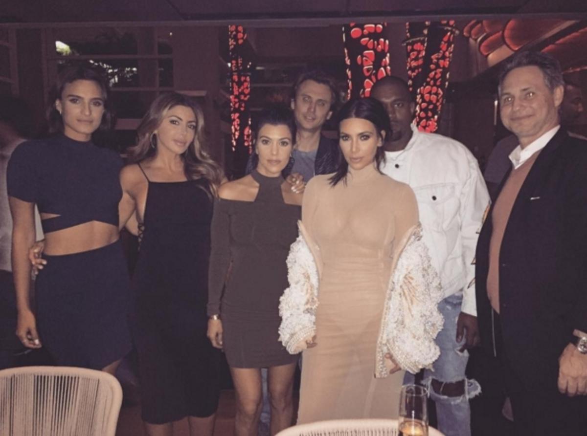 Ким Кардашьян рассказала об откровенных фото со свадьбы друзей