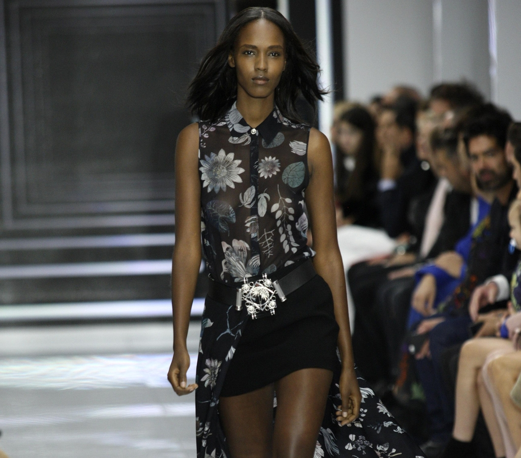 Модный показ новой коллекции Versus Versace. Весна / лето 2016
