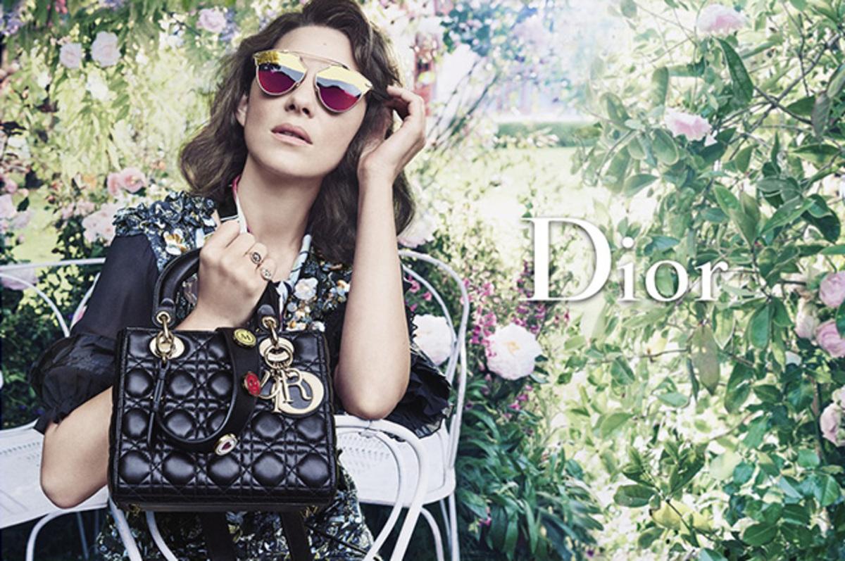 Марион Котийяр снялась в новой рекламе аксессуаров Dior