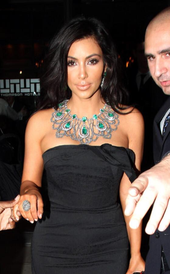 "Ким Кардашиан на благотворительном вечере ""The Angel Ball"""