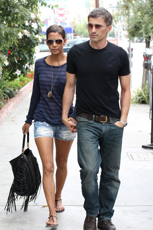 Халли Берри и Оливье Мартинес в Лос-Анджелесе