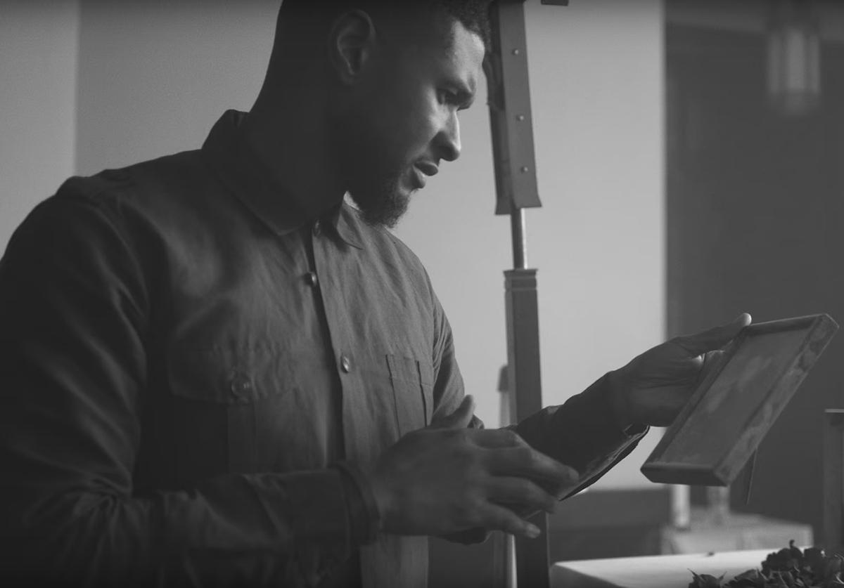 Ашер  выпустил новый клип Chains