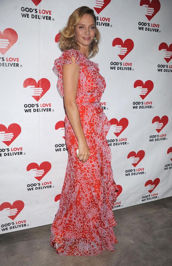 Ума Турман на церемонии Golden Heart Awards 2011