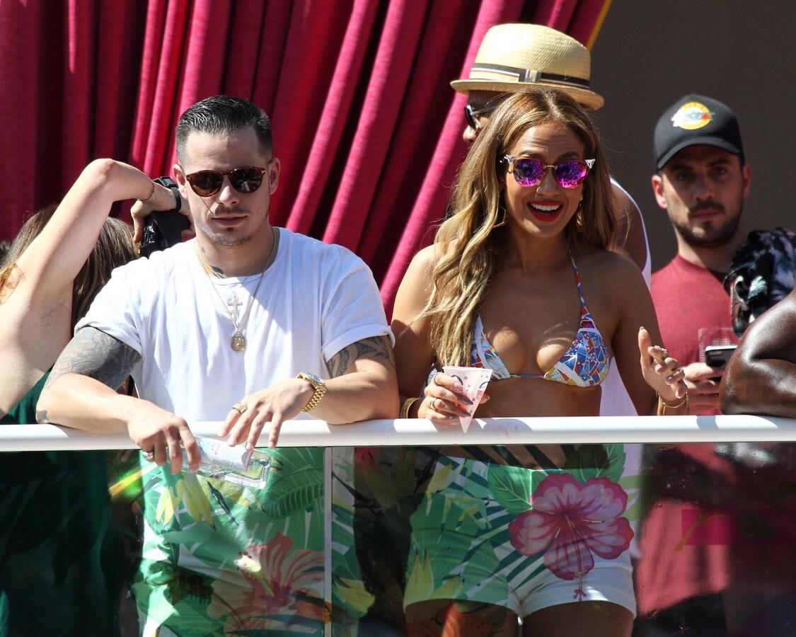 Дженнифер Лопес на пляжной вечеринке в Лас-Вегасе