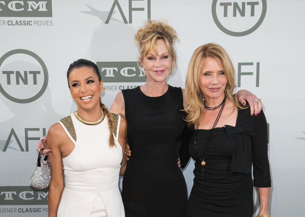 Звезды поздравляют Джейн Фонду с вручением AFI Award