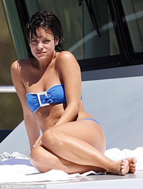 Лили Аллен отдыхает на яхте