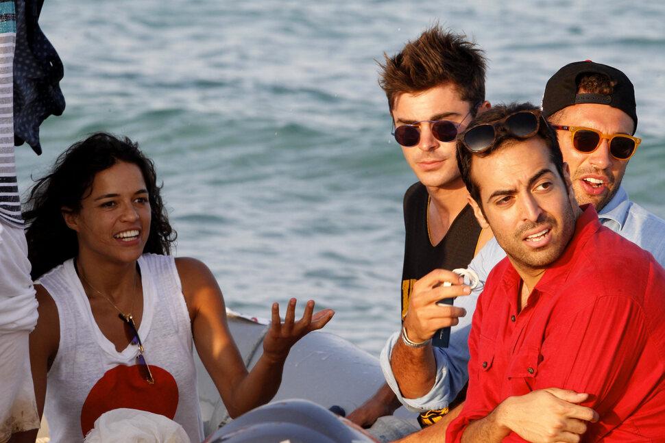 Зак Эфрон и Мишель Родригес продолжают отдых на Ибице