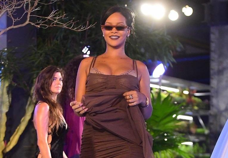 Рианна представила новую коллекцию в рамках Недели моды в Нью-Йорке (фото)