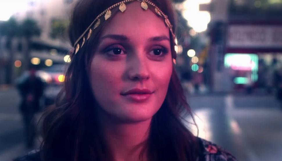 Лейтон Мистер в клипе Nomads - Addicted to Love ft. Vanessa Curry