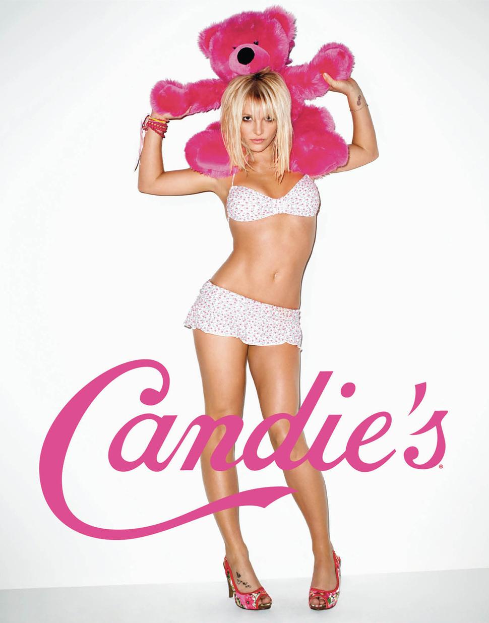 Еще несколько фото Бритни Спирс для рекламы Candies 2010