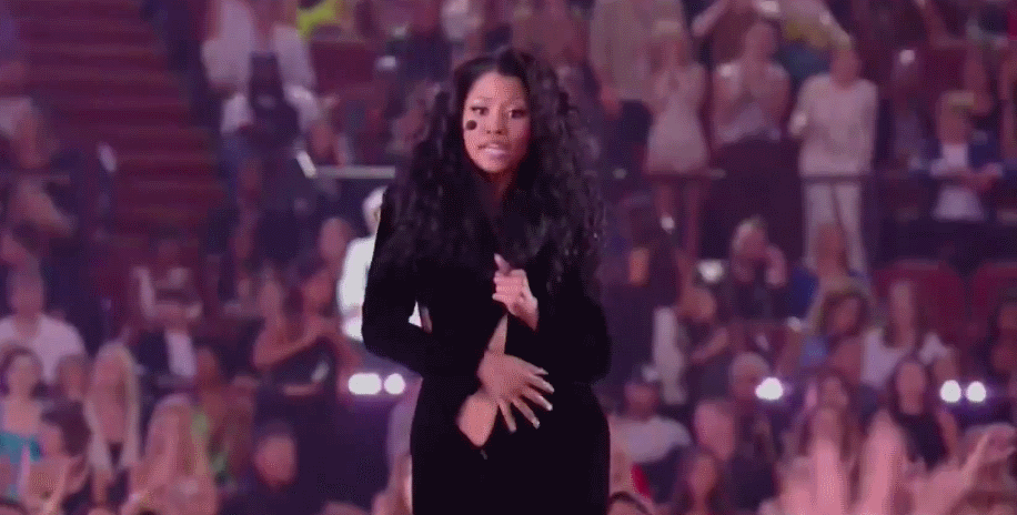 Ники Минаж чуть не осталась без платья на церемонии VMA 2014