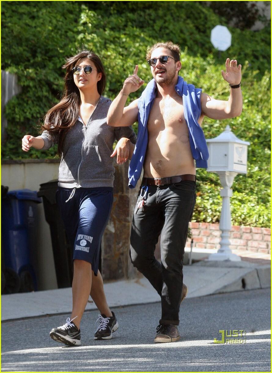 Шайя ЛаБеф и Каролин Фо в Лос-Анджелесе