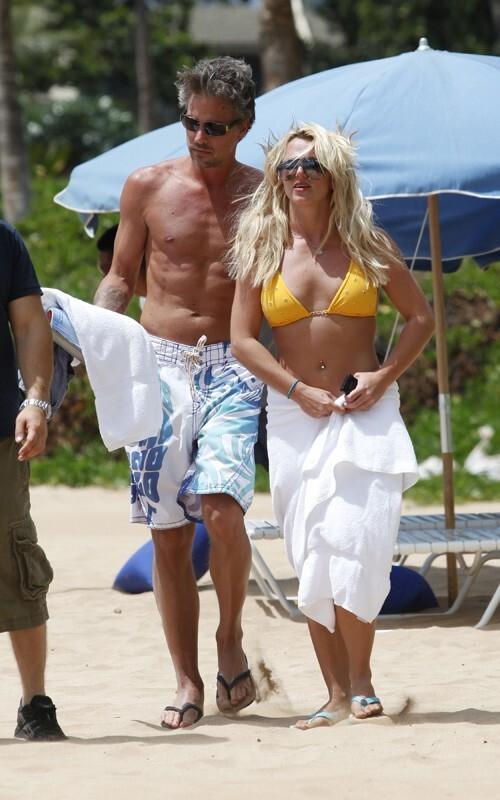 Бритни Спирс с бойфрендом отдыхает на Гавайях