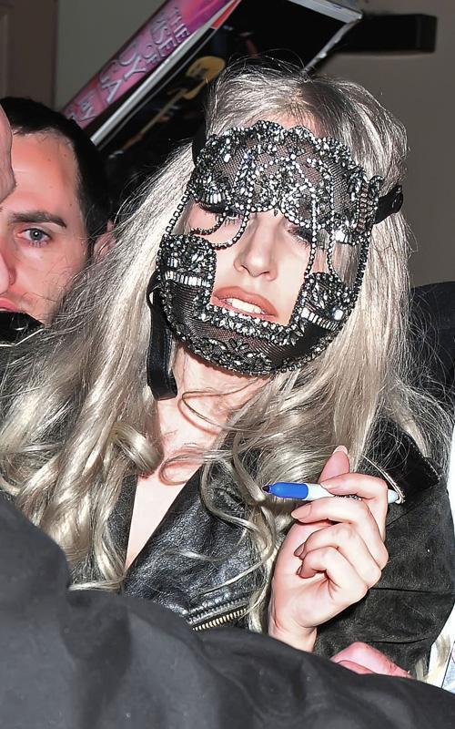 Lady Gaga пугает жителей Нью-Йорка