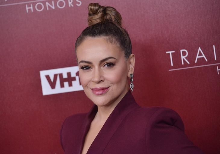 Фиби уже не та: звезда «Зачарованных» Алисса Милано призвала женщин отказаться от секса