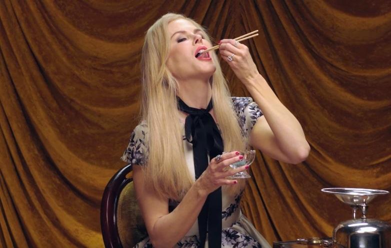 Не для слабонервных: Николь Кидман ест жуков в видео для Vanity Fair
