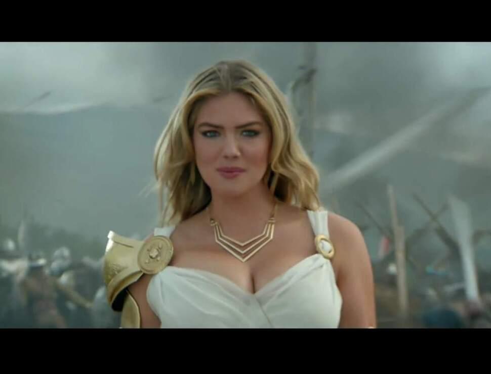 Кейт Аптон в рекламе компьютерной игры Game Of War: Fire Age
